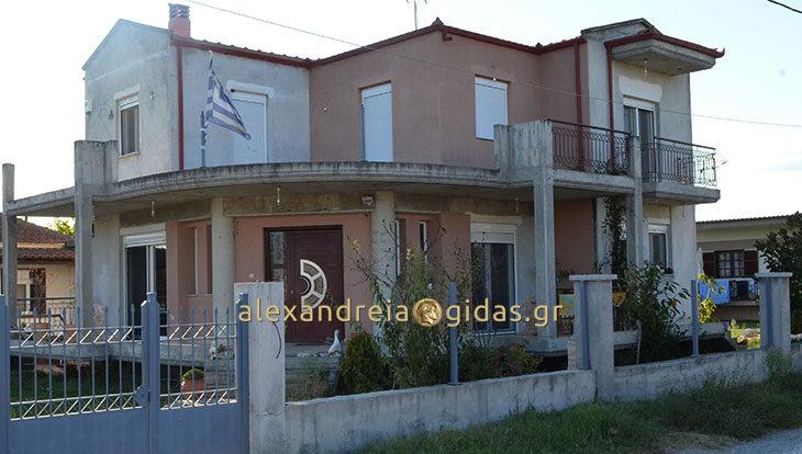 Ενοικιάζεται διώροφο σπίτι στο Παλαιοχώρι του δήμου Αλεξάνδρειας (φώτο)