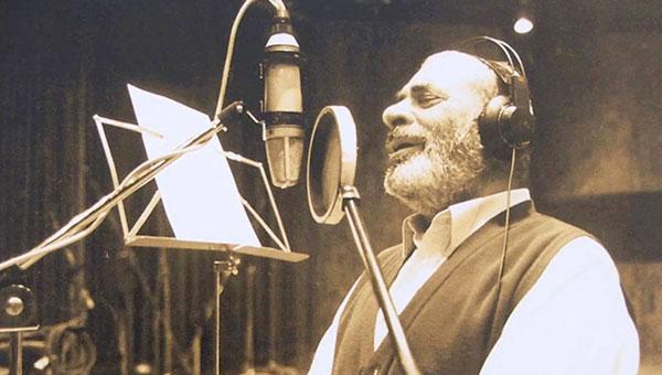 Πέθανε σαν σήμερα ο μεγάλος Στέλιος Καζαντζίδης (φώτο-βίντεο)