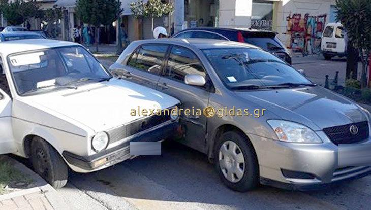 Πριν λίγο: Τροχαίο στη Βετσοπούλου – συγκρούστηκαν χωρίς τραυματισμούς (φώτο)