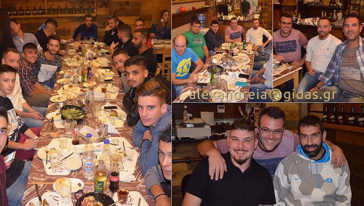 Γεύμα στο Μεζέ Μεζέ για την ομάδα του Άρη Παλαιοχωρίου (φώτο)
