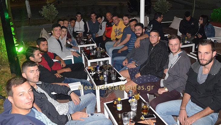 Καφές στο TRAFFIC για την ομάδα του Αλιάκμονα Νησελίου (φώτο)
