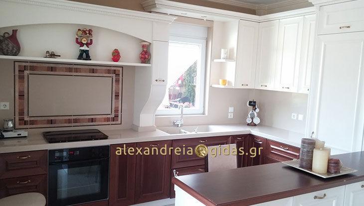 Πωλείται πολυτελές διαμέρισμα στην Αλεξάνδρεια (φώτο-πληροφορίες)
