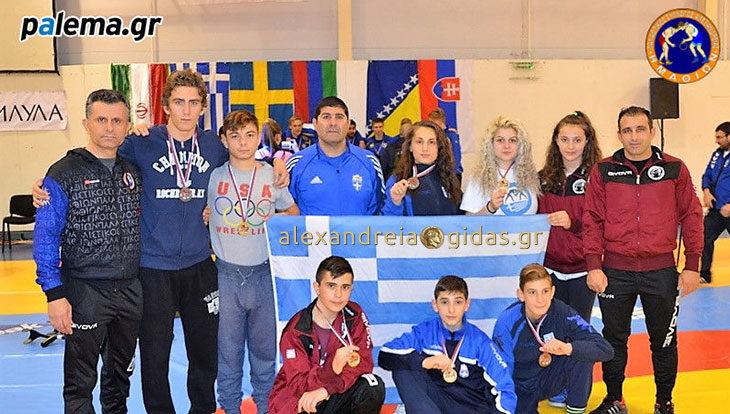 Με 4 μετάλλια επέστρεψαν από την Σερβία οι παλαιστές της Αλεξάνδρειας