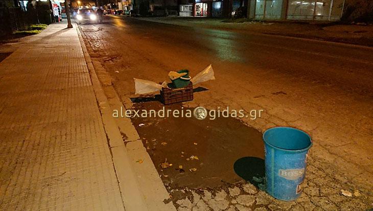 Αναγνώστης: Ζητήσαμε από τον δήμο να μας φτιάξουν τον δρόμο, μας αγνόησαν και τον φτιάξαμε μόνοι μας! (φώτο)