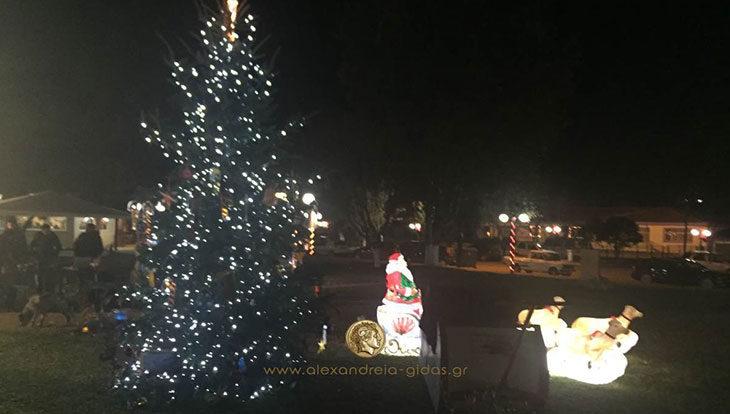 Την Κυριακή ανάβει το Χριστουγεννιάτικο Δέντρο στα Τρίκαλα (πρόγραμμα εκδηλώσεων)