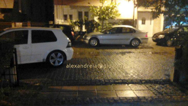 Αναγνώστης: Ένας πεζόδρομος στην Αλεξάνδρεια που μόνο για πεζούς δεν είναι (φώτο)