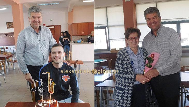 Τα γενέθλια του μαέστρου και τα λουλούδια του προέδρου στις γυναίκες (φώτο)