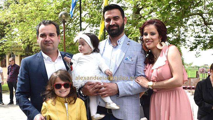 Βάπτισε το πρώτο του παιδάκι ο επιχειρηματίας Αργύρης Καλοσόπουλος στον Λουτρό (φώτο)