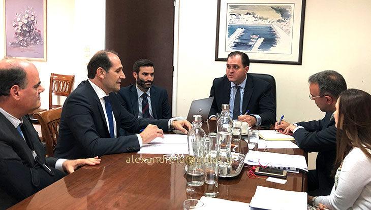 Σε συνάντηση με τον Διοικητή της Ανεξάρτητης Αρχής Δημοσίων Εσόδων ο Απ. Βεσυρόπουλος