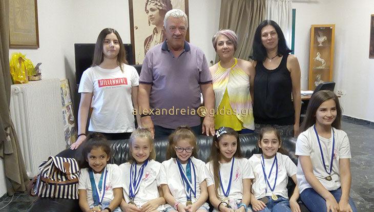 Τις αθλήτριες της ρυθμικής γυμναστικής του Α.Ο. Αλέξανδρος συνάντησε ο δήμαρχος Αλεξάνδρειας