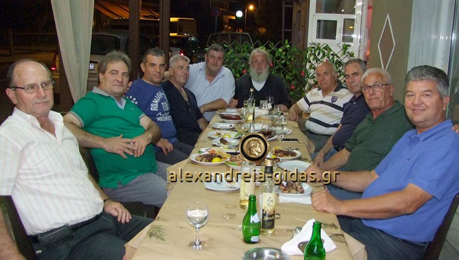 Συναντήθηκαν οι παλιοί διαιτητές από τον δήμο Αλεξάνδρειας – δεν ξέχασαν τους Χλιάρα και Κάμαλη (φώτο-βίντεο)