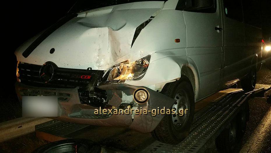 Τροχαίο ατύχημα στην Εγνατία Οδό στο ύψος της Αγίας Κυριακής (φώτο)