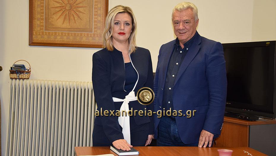 Ορκίστηκε η Τζένη Τσιλοπούλου που θα αντικαταστήσει τον Κώστα Ναλμπάντη στο δημοτικό συμβούλιο