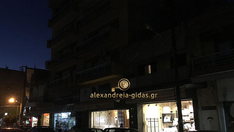 Η σκοτεινή πλευρά της δημοτικής αγοράς της Αλεξάνδρειας – διαμαρτύρονται οι καταστηματάρχες (φώτο)
