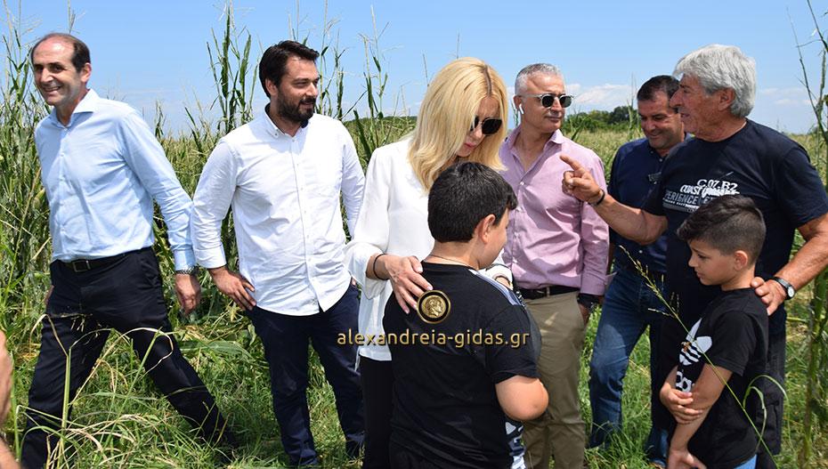 «Πρώτη φορά μας επισκέπτονται στα χωράφια μας δύο υπουργοί»