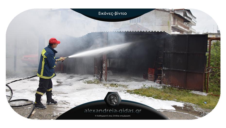 Πάρκαρε το αυτοκίνητο στην Αλεξάνδρεια και αυτό πήρε φωτιά – άμεση η παρέμβαση της Πυροσβεστικής