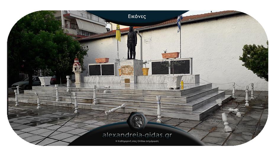 Καταστροφές και πάλι στο ιστορικό άγαλμα του «Πόντιου Ακρίτα» στην Αλεξάνδρεια