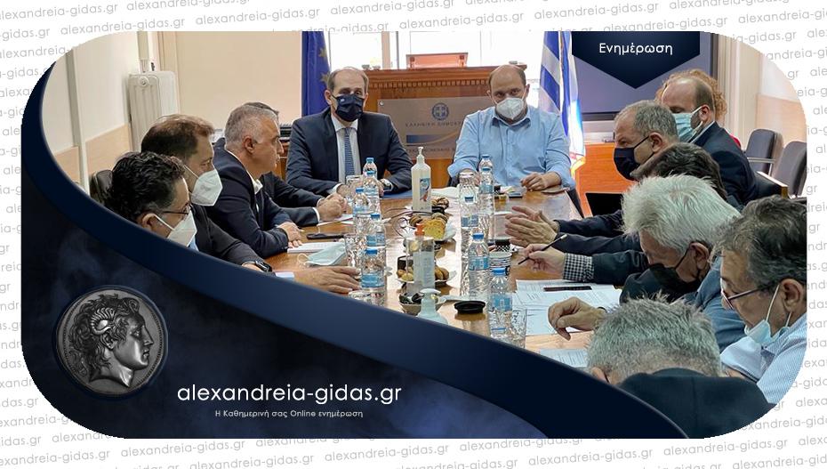 Συνάντηση Βεσυρόπουλου με εκπροσώπους επιχειρηματικού και αγροτικού κόσμου Ημαθίας και Πέλλας